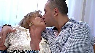 Blonde grandma facialized