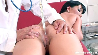 Disappointing alloy loves poking pussy and ass be incumbent on slutty Jenis King